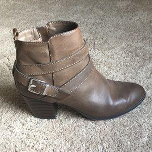 Basically new Express women's heeled booties EUC